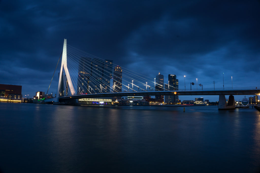 Rotterdam at night - The Two Drifters www.thetwodrifters.net