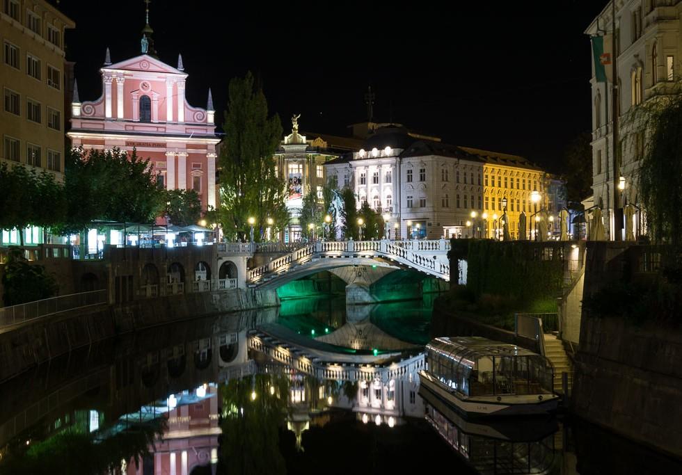 The Triple Bridge at night, Ljubljana, Slovenia, The Two Drifters www.thetwodrifters.net