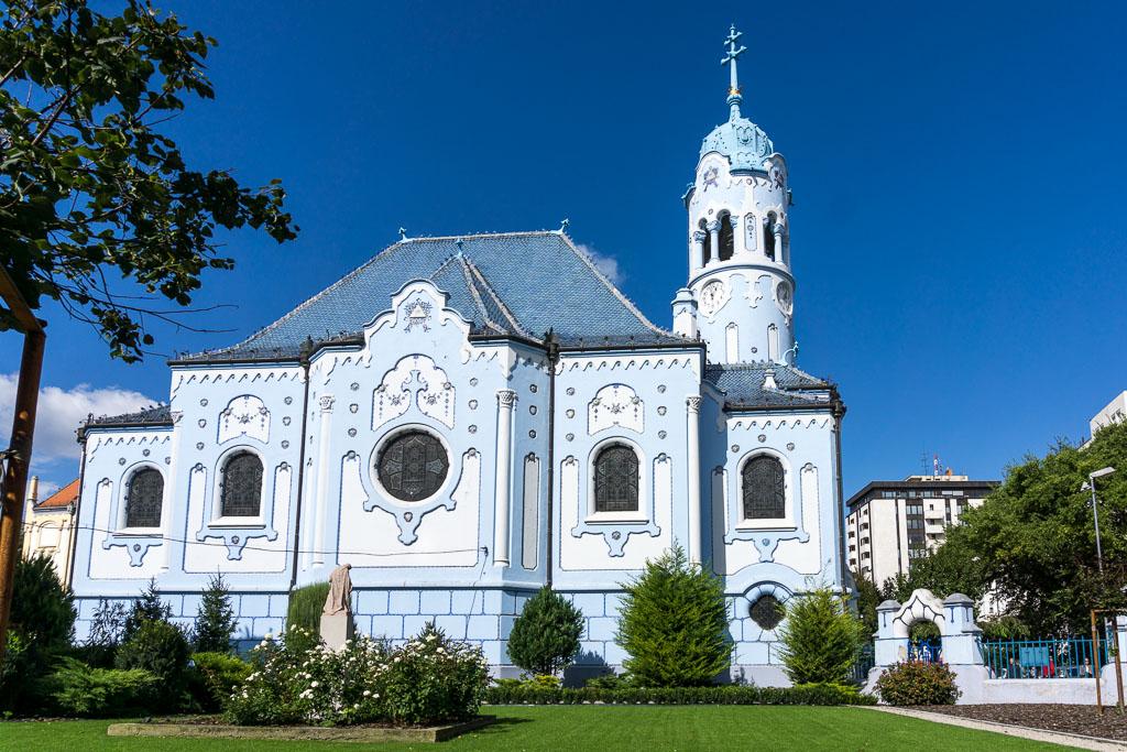 St Elizabeth Blue Church, Bratislava, The Two Drifters, www.thetwodrifters.net