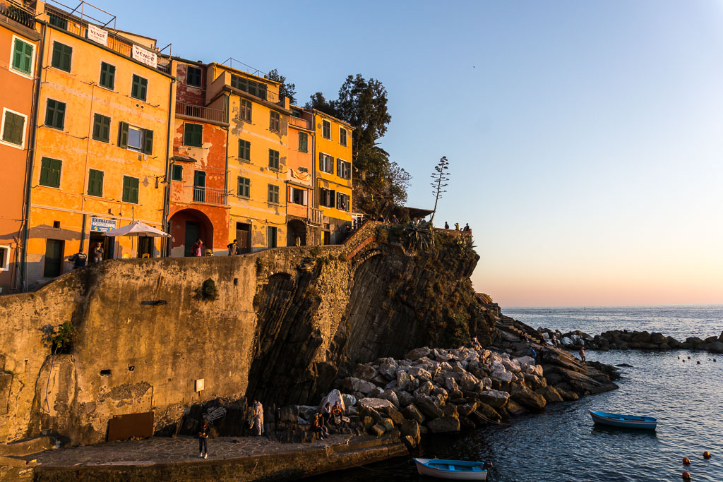 Riomaggiore, coast line, Cinque Terre, The Two Drifters, www.thetwodrifters.net