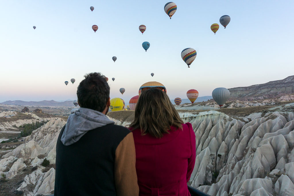 Admiring the Balloons, Balloons 3, Hot Air Balloon Ride, Cappadocia, The Two Drifters, www.thetwodrifters.net