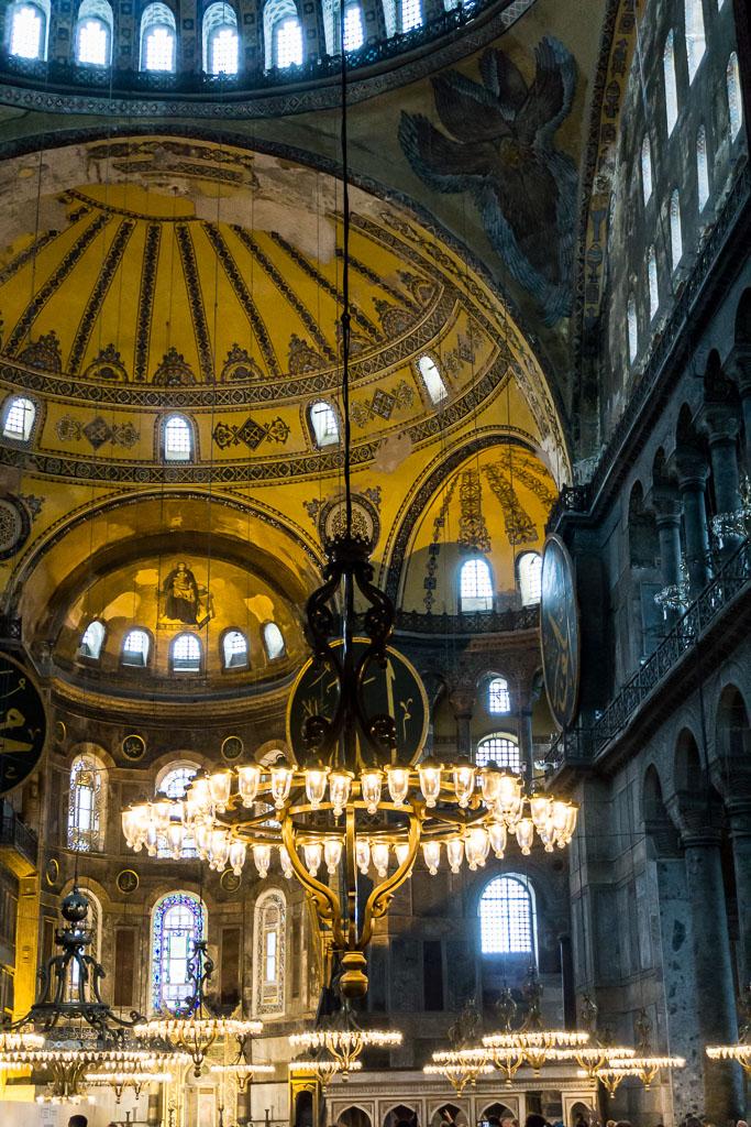 Chadelier, Hagia Sophia, Istanbul, The Two Drifters, www.thetwodrifters.net