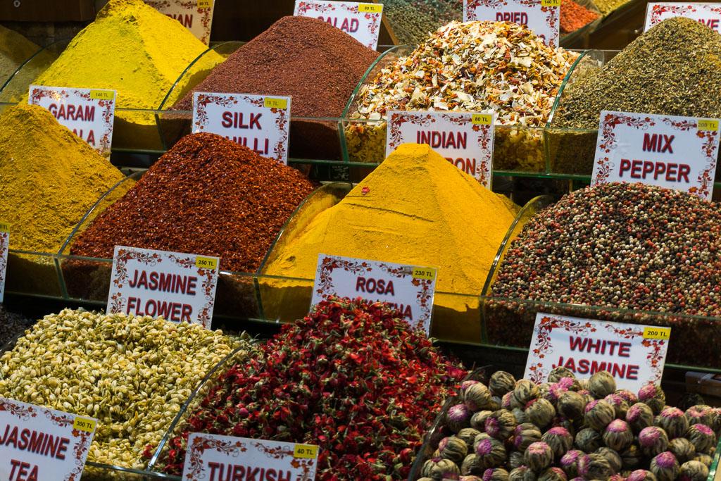 Spice Market, Istanbul, The Two Drifters, www.thetwodrifters.net
