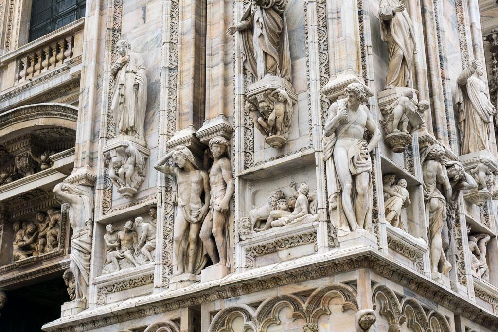 Statues, Duomo, Milan, The Two Drifters, www.thetwodrifters.net