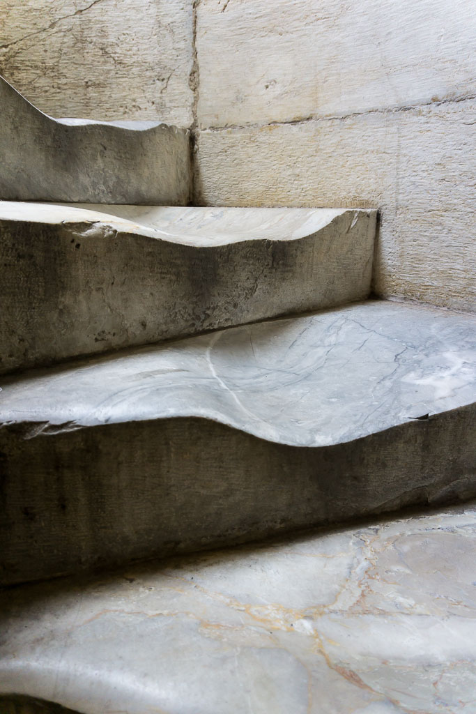 Worn steps, Pisa, The Two Drifters, www.thetwodrifters.net