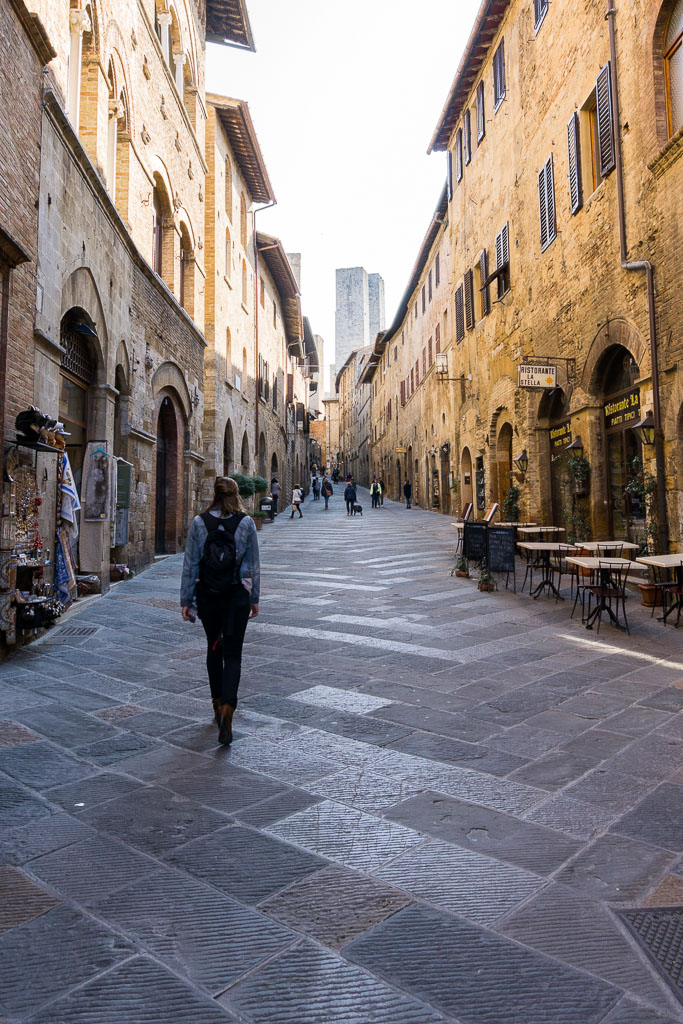 Wandering the streets, San Gimignano, The Two Drifters, www.thetwodrifters.net